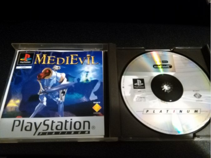 Medievil Sony Playstation con manual