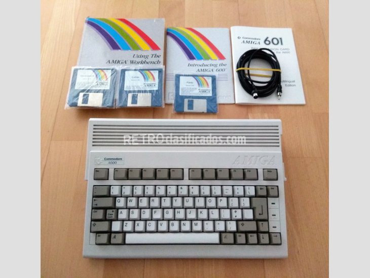 COMMODORE AMIGA A600 2