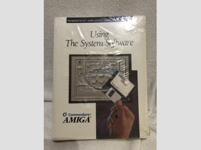 NUEVO Libro Commodore Amiga Using System Software