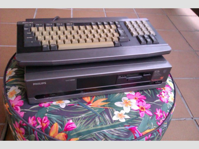 Vendo MSX2 Philips NMS8250