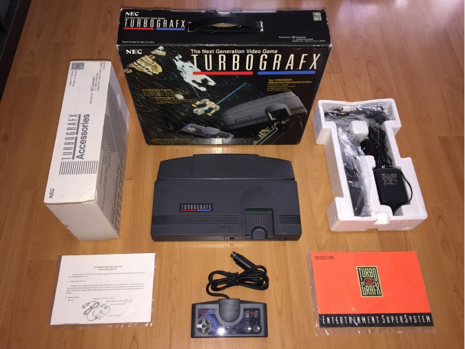 Turbografx 16 PC Engine system console boxed