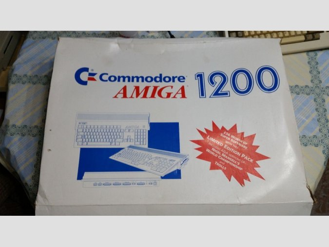 Commodore Amiga 1200 extras