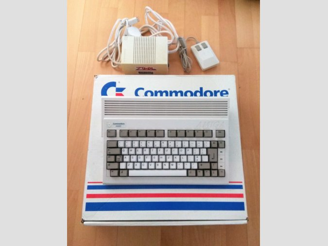 COMMODORE AMIGA A600