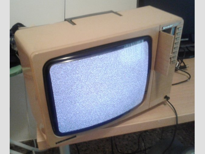 Se vende Televisor Sharp-elbe para ZX Spectrum, Commodore